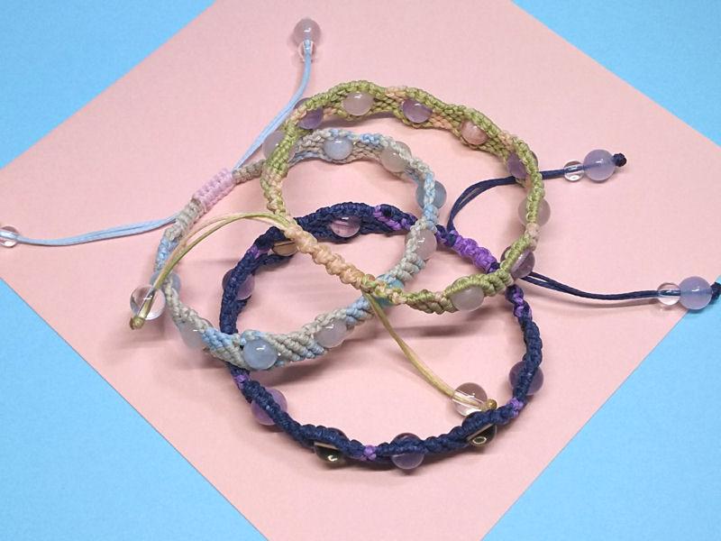 シンプルマクラメ編みブレス3種出来ました