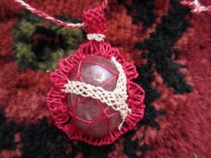 トルコの伝統手芸オヤで留めたネックレス